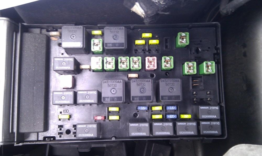 medium resolution of 2012 dodge avenger fuse box