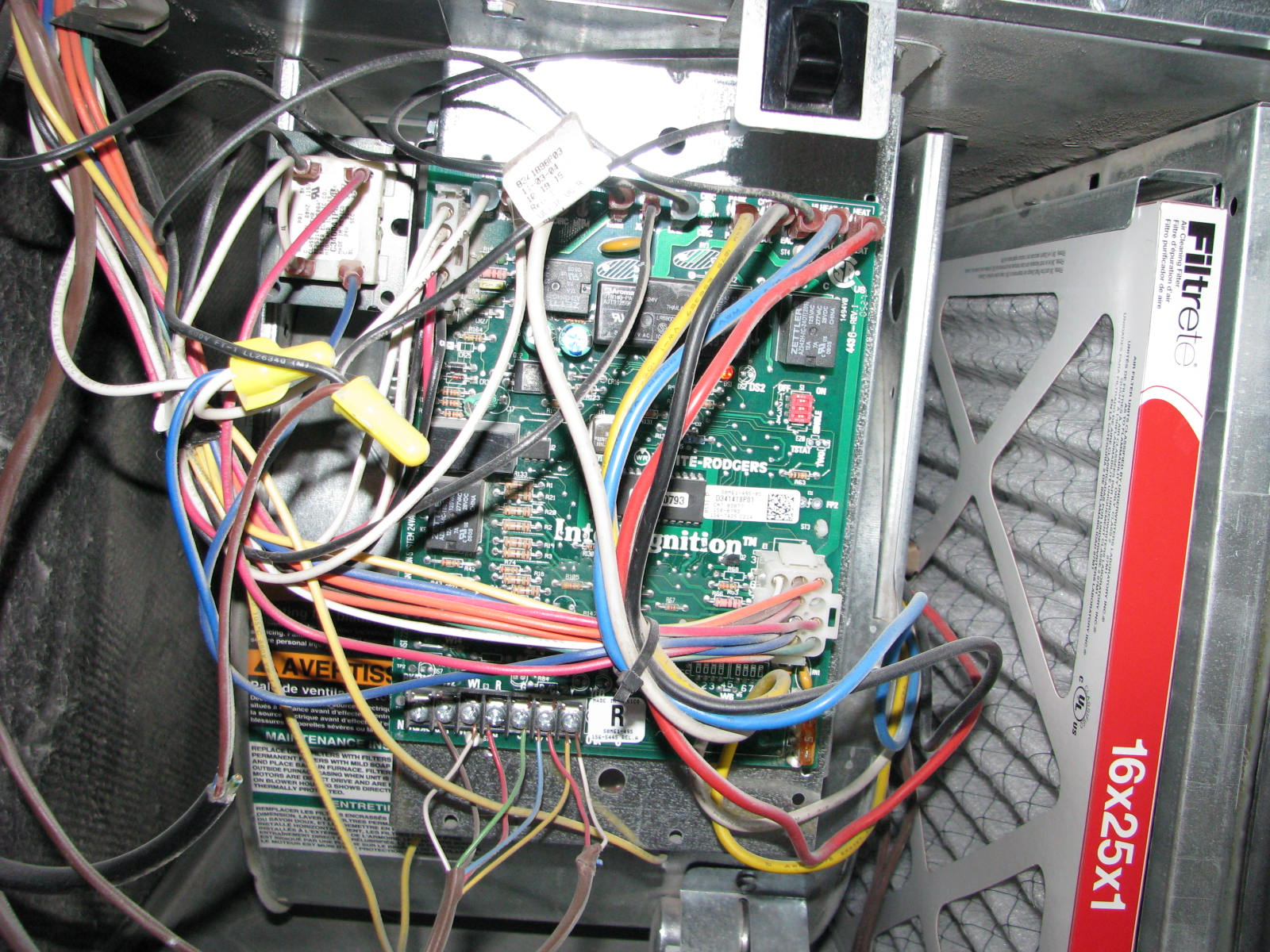 trane series e centravac 2002 mitsubishi lancer fuel pump wiring diagram furnace red light
