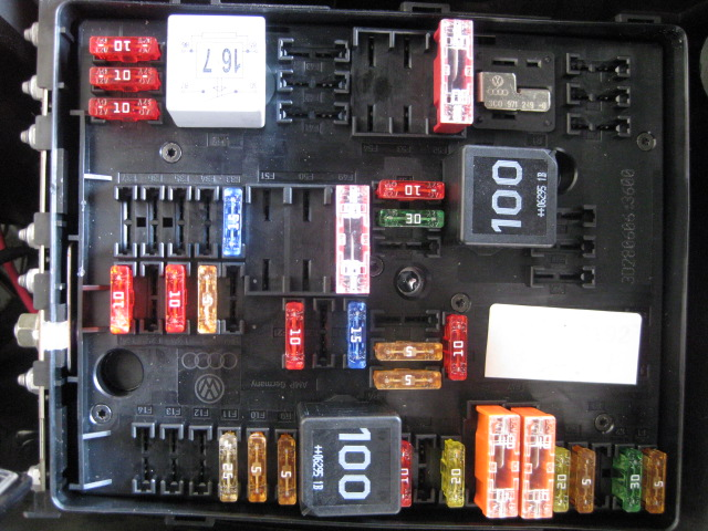2010 Vw Cc Fuse Diagram Volkswagen Passat 2 0t I Changed The Battery In My 2007