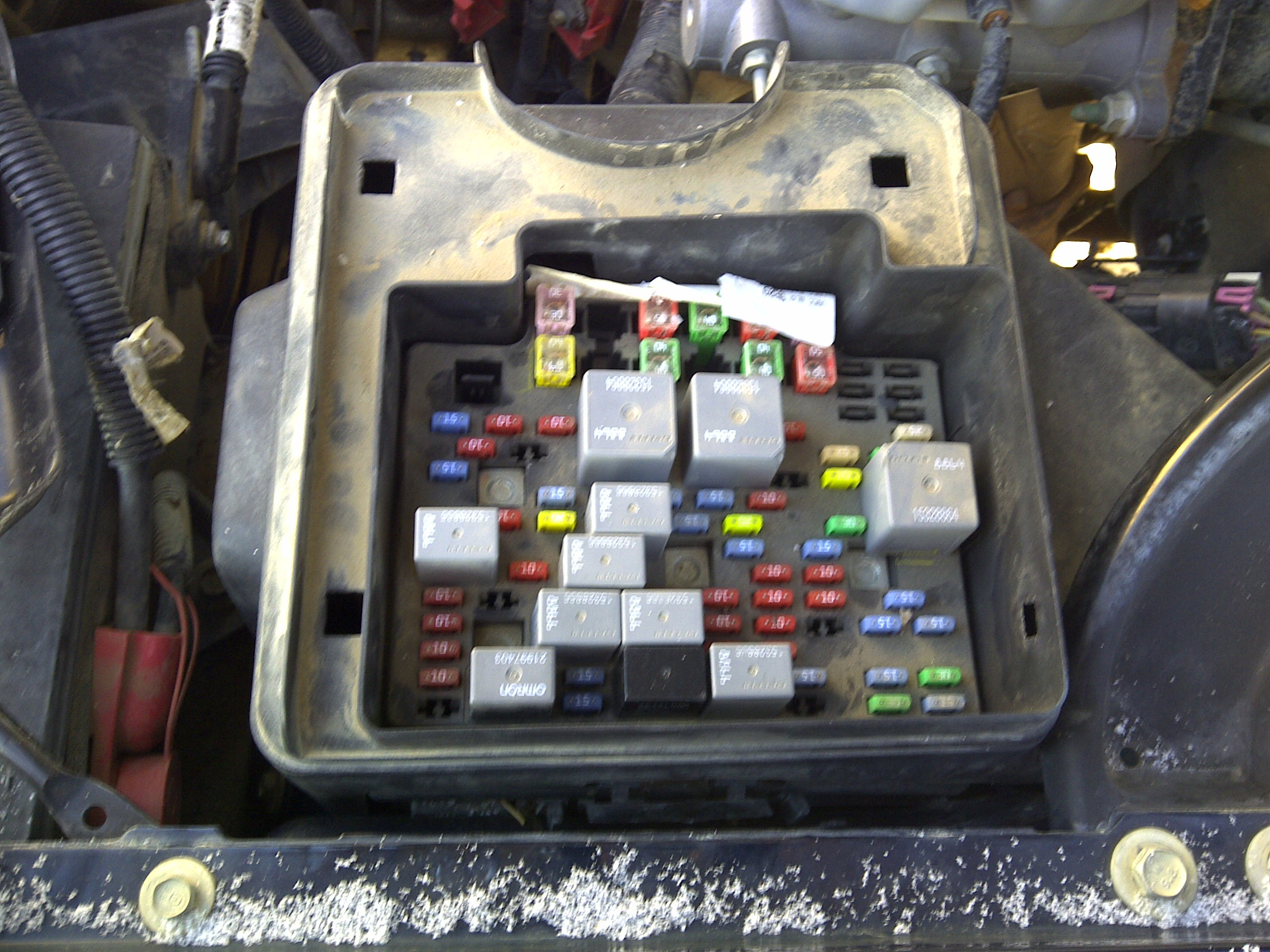 2003 Sterling Fuse Box Gmc 2500 Series I Have A 2007 Gmc Sierra Classic 2500 Crew