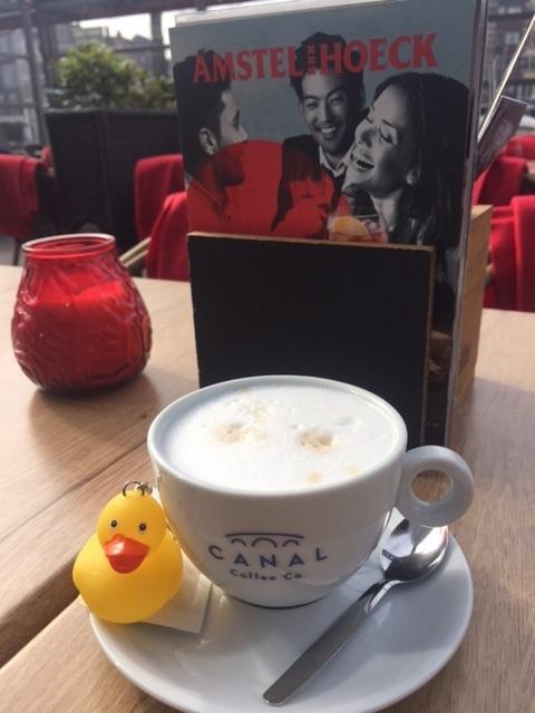 entlein-im-canal-cafe-amtserdam.jpg
