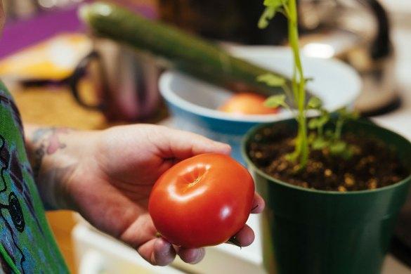 Un ingreso básico le permitió a Bowman agregar vegetales frescos a su dieta.