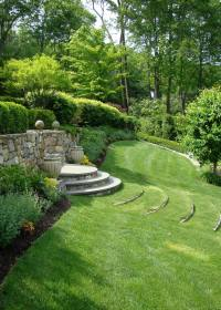 READER PHOTO! Curved terrace stairs tame a slope ...