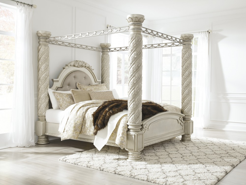 Cassimore Pearl Silver King Canopy Bed B750725051