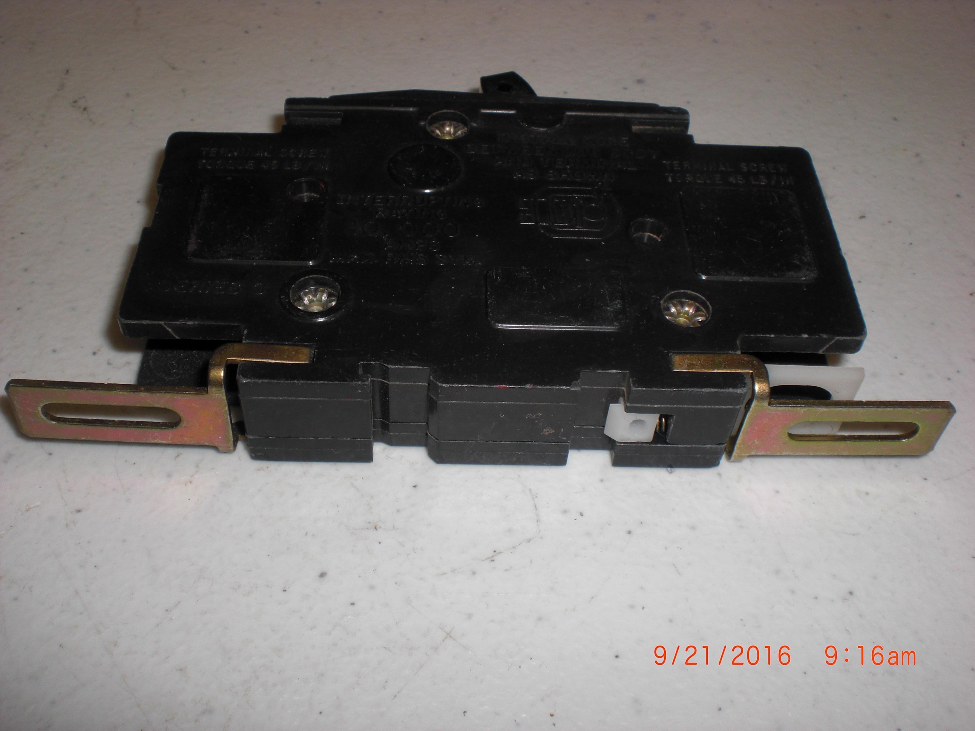 Square D Qo130gfi 1pole Gfci Circuit Breaker At Essenntialhardware