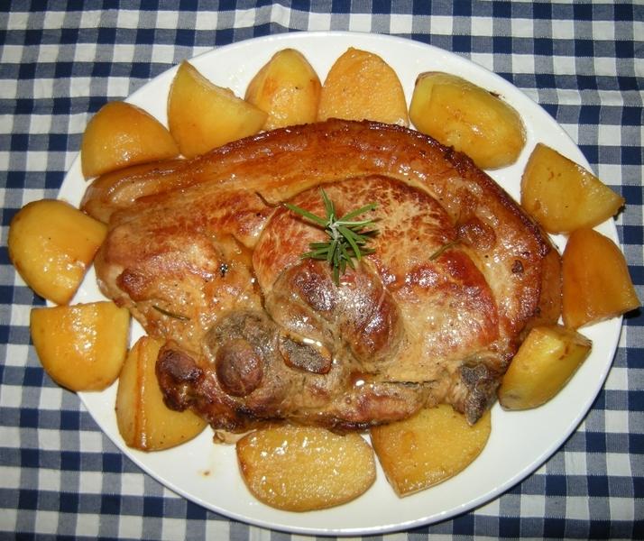 Ricetta Rouelle di maiale al forno con patate  CookEatShare