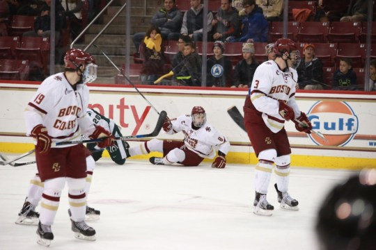 Men's Hockey Drops Game To Last Place Ohio State