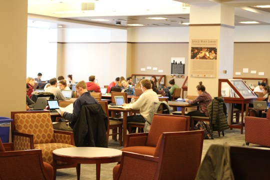 Extended Weekend Library Hours Expected to Begin in October