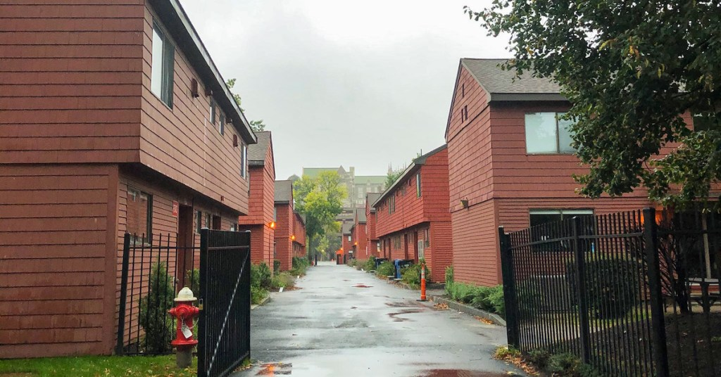 Residential Students Required to Sign Addendum to Housing Agreement