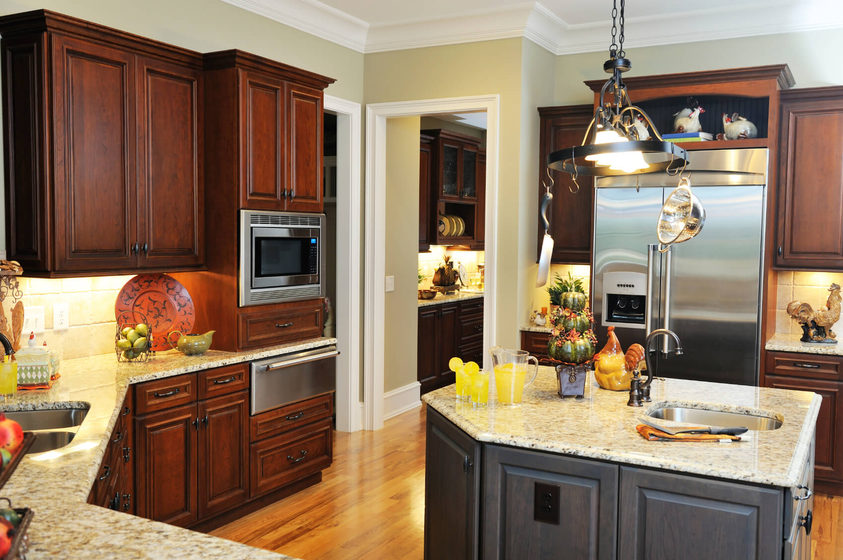 Best Wood For Dark Stained Cabinets