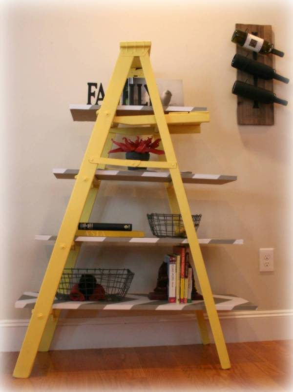 Vintage Yellow Wooden Leaning Ladder Shelf - Build