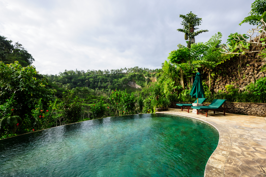 65 Incredible Infinity Pool Design Ideas (Stunning Photos)