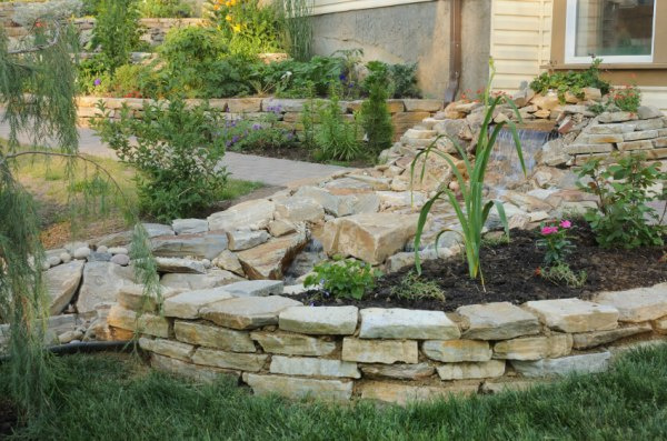 backyard retaining wall ideas