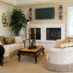 Traditional Small Living Room Decorating Ideas Tuscan Pictures 41 Amazing 2019 Photos An Elegant Style With Matching Curved Sofas And Ornate Coffee