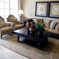Living Room Ideas Traditional Modern Leather Furniture 41 Amazing Small 2019 Photos A With Light Tile Floor And An Ornate Floral Rug Tall