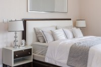 50 Decorative King and Queen Bed Pillow Arrangements ...
