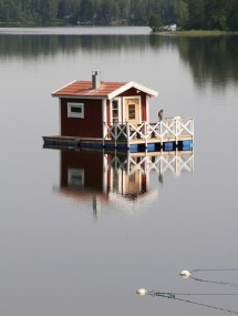 Incredible And Unique Houseboat Design