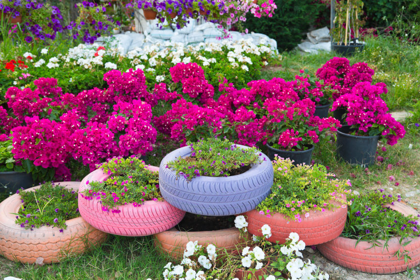 29 Flower Tire Planter Ideas For Your Yard And Home Home