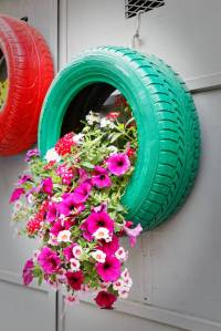29 Flower Tire Planter Ideas for Your Yard (and Home)