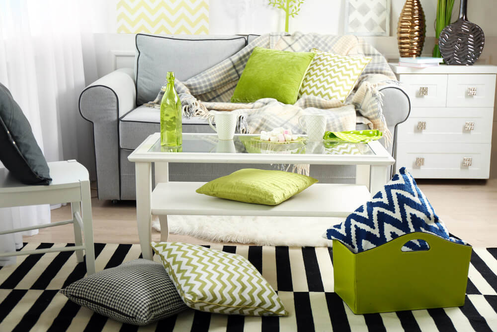 throw pillows for living room couch decorating ideas a small 35 sofa pillow examples decor guide home stratosphere filled with