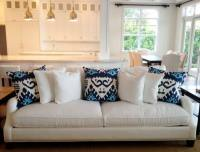 Living Room White Couch Blue Pillows - Free Download ...