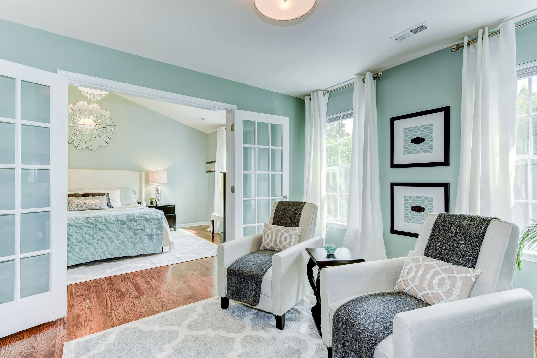 Master Bedrooms With A Sitting Area Sofa Chairs Chaise