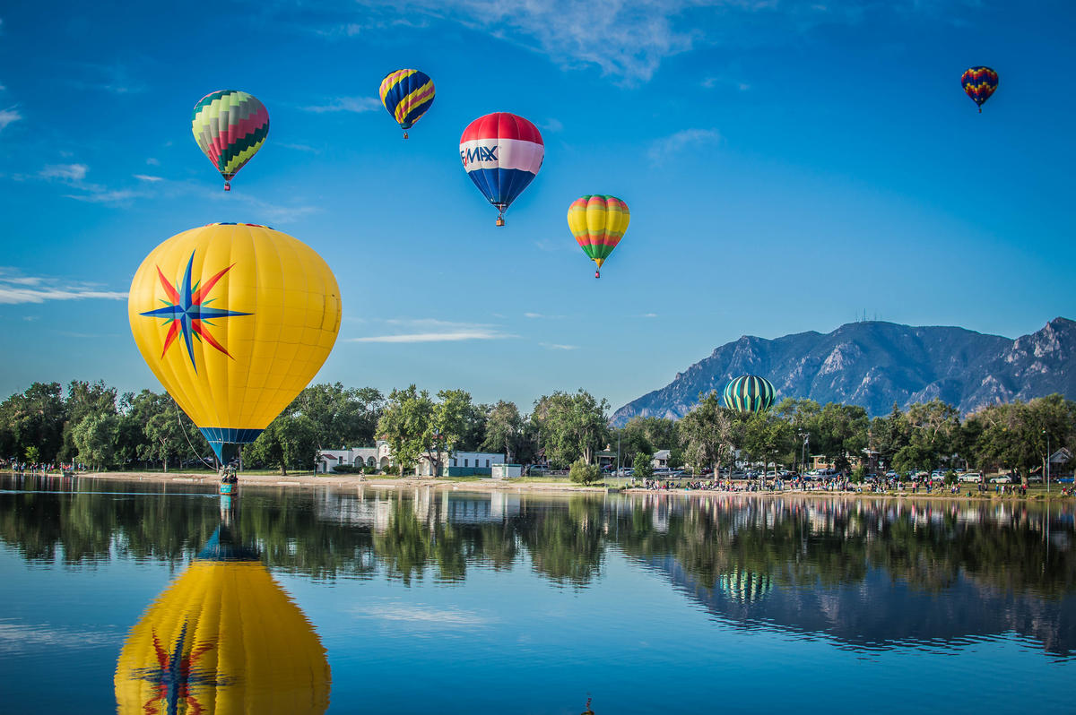 Fall Patterns Wallpaper Up Up And Away A Guide To The Best Hot Air Balloon