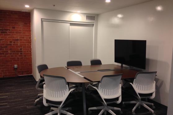 Medium Collaborative Meeting Room At BLANKSPACES DTLA