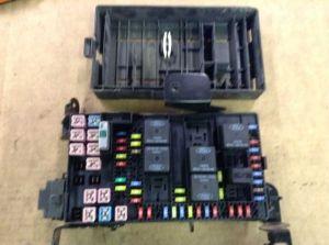 05 2005 FORD F250 F350 54L 60L INTERIOR CABIN FUSE BOX