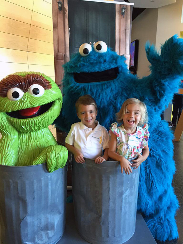 Google & Sesame Street's Oscar The Grouch & Cookie Monster