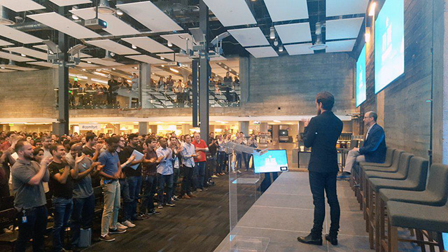 Dick Costolo Gets A Standing Ovation