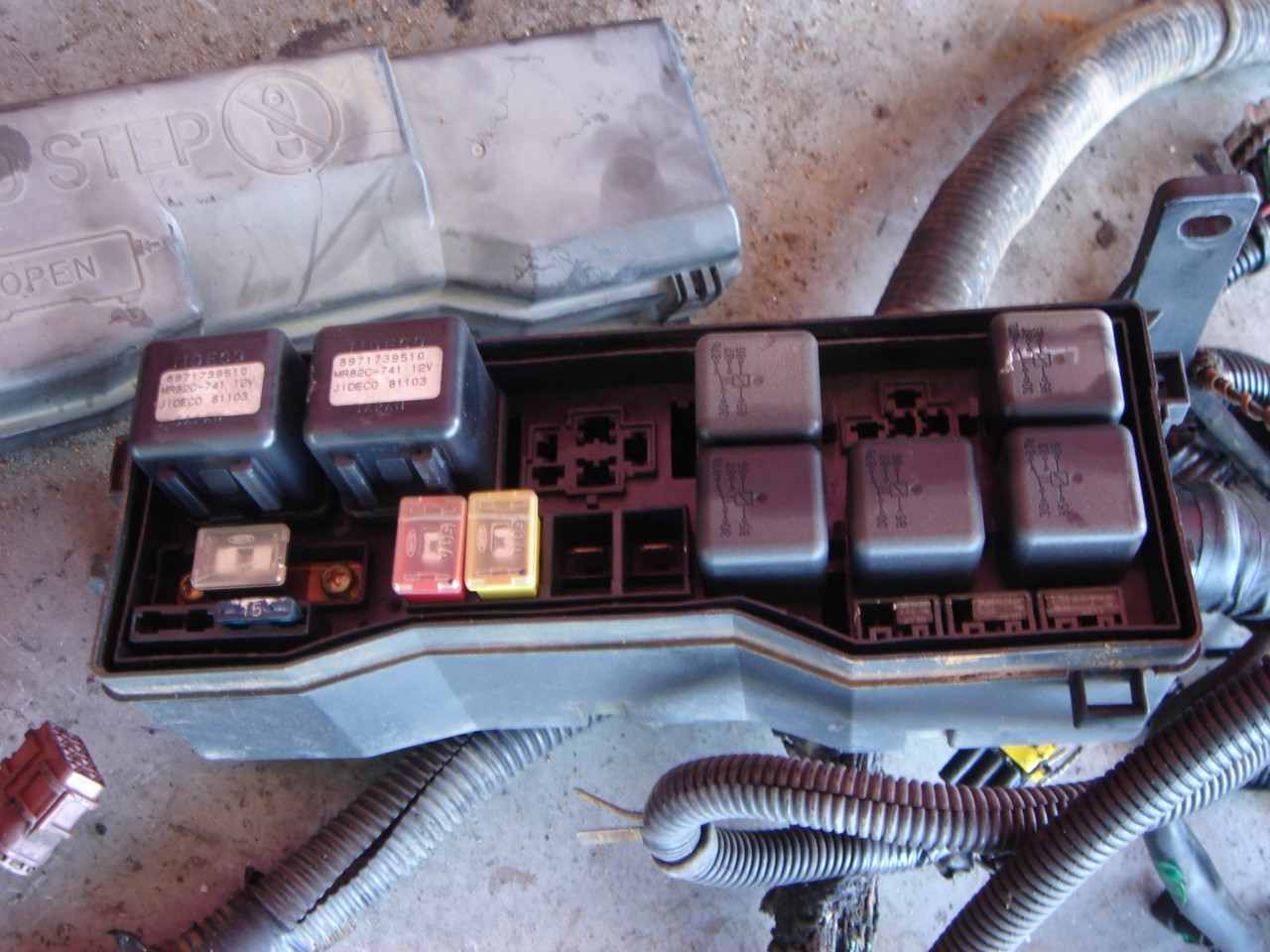 hight resolution of isuzu fuse box today wiring diagram kenworth t600 fuse box diagram 2008 isuzu npr fuse box