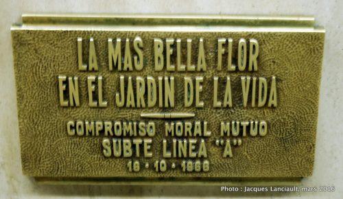 Madre, station de subte Miserere, Buenos Aires, Argentine