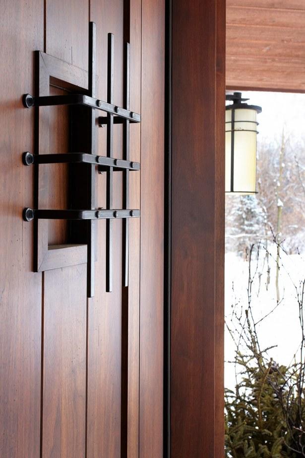 Front-Door-Detail-Shorewood-MN-0021