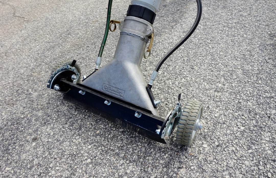 PAVEMENT SWEEPER (8043896)