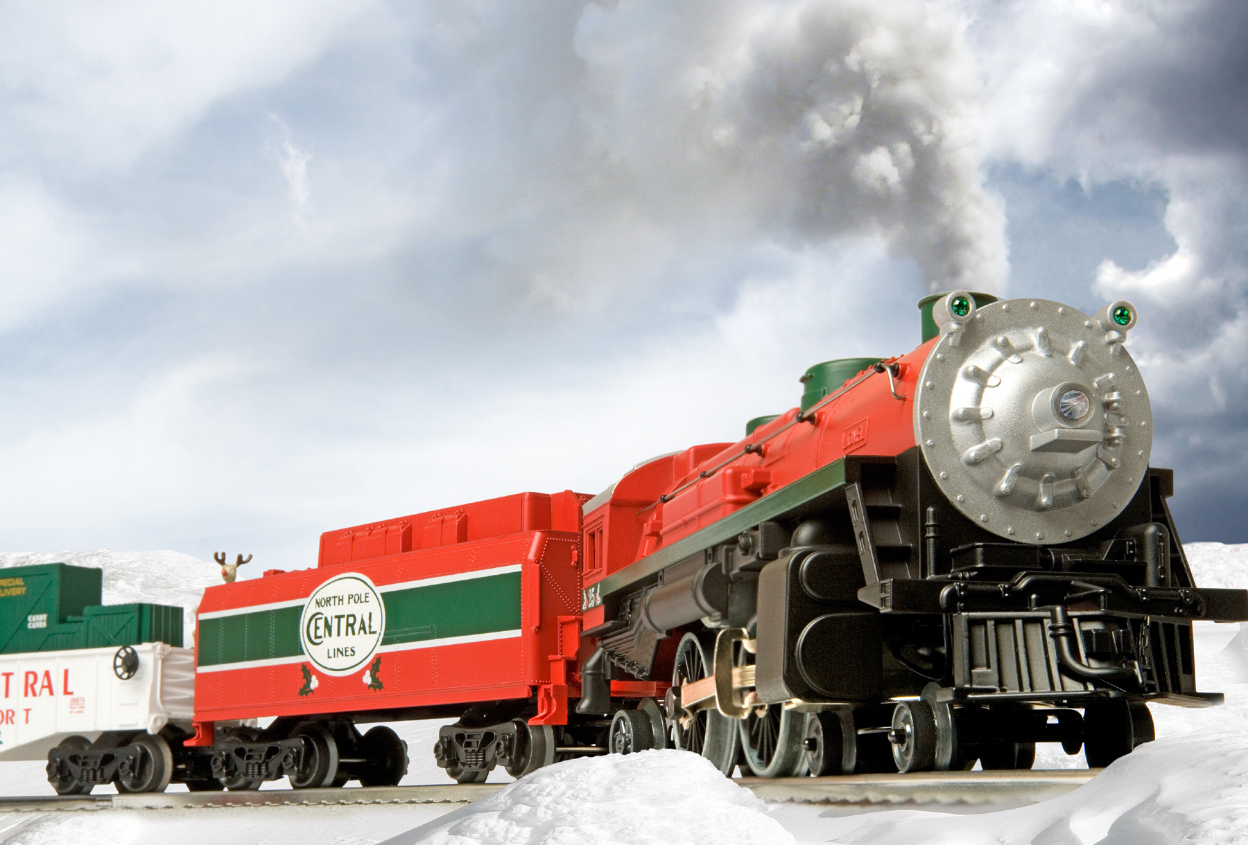 North Pole Central Christmas Train Conventional 442