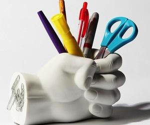 Hand-pen-holder-m