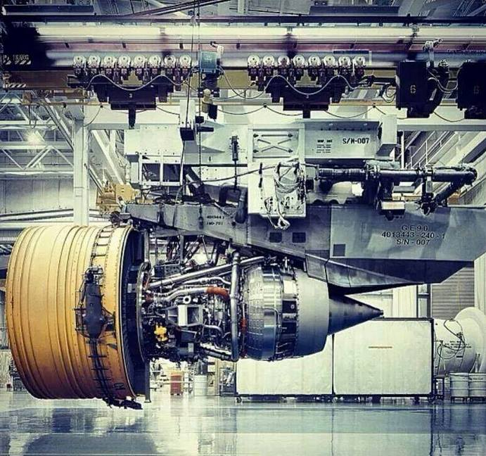 Massive Engine Of The Boeing 777  Members gallery