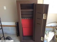 ARMSLIST - For Sale: Homak Gun Cabinet