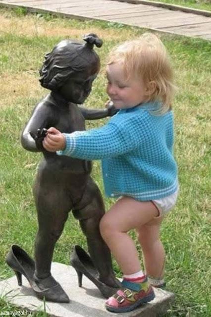 bebe balildando Imágenes que te mostrarán que la inocencia de los niños