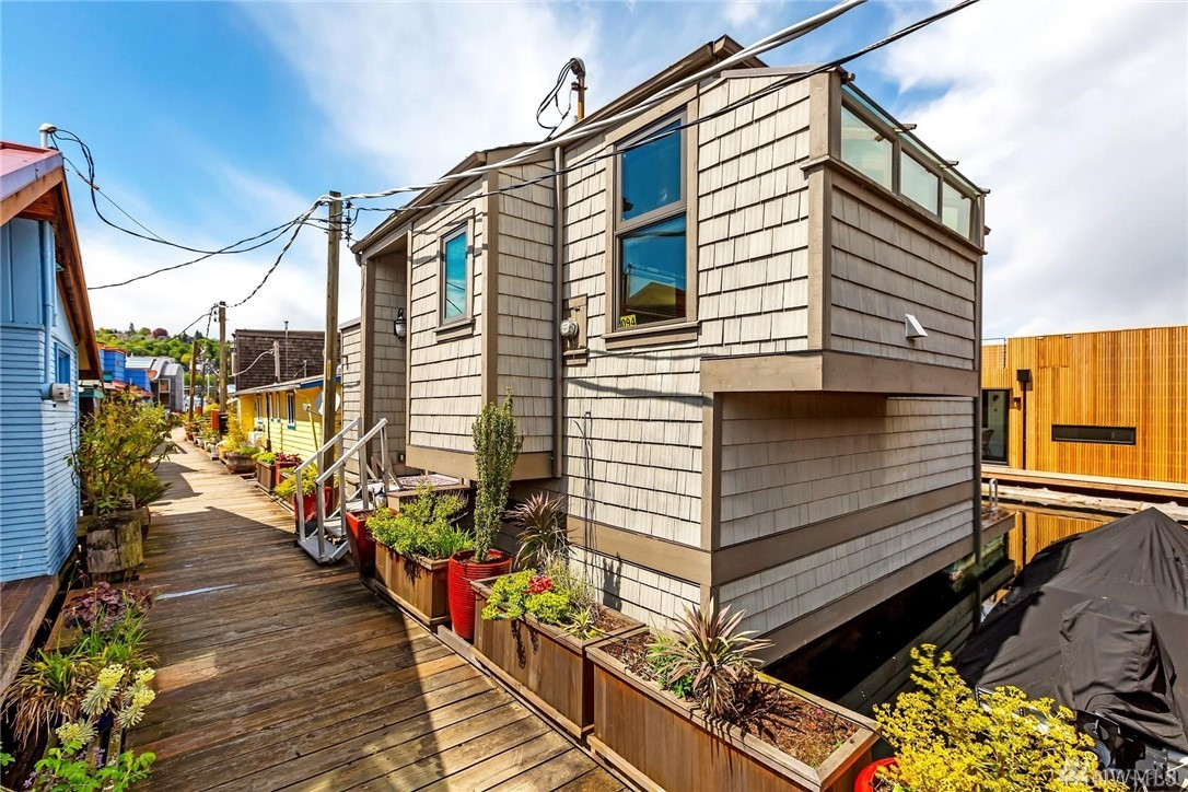 Used Floating Duck House For Sale