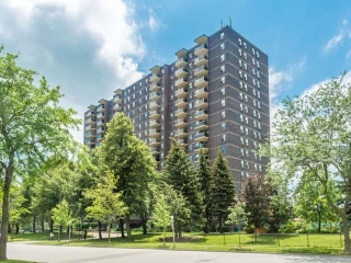 Main Photo: 1111 966 Inverhouse Drive in Mississauga: Clarkson Condo for sale : MLS(r) # W3874243