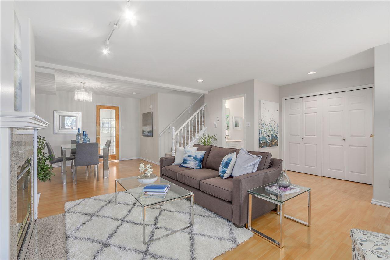 "Main Photo: 29 11950 232ND Street in Maple Ridge: Cottonwood MR Townhouse for sale in ""Golden Ears Vista"" : MLS® # R2107946"