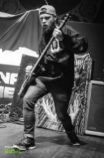 stephen-vicino-fit-for-a-king-tas-emmure-8
