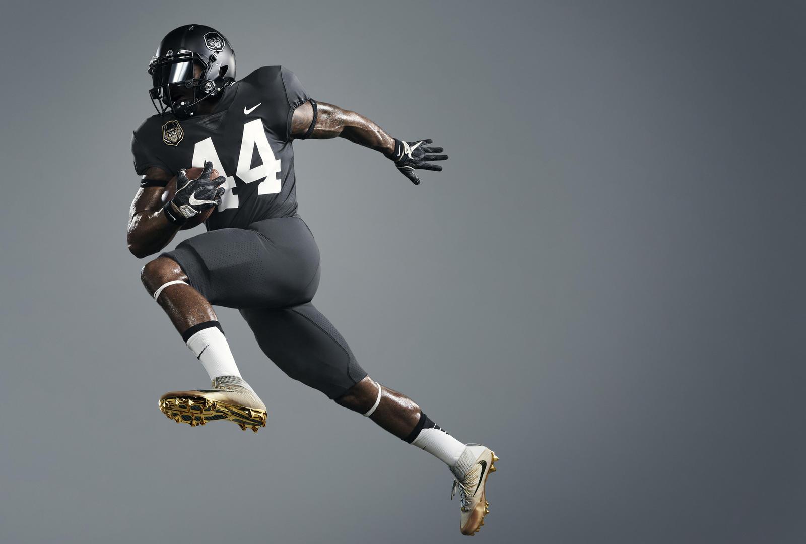 Nike Vapor Football Untouchable