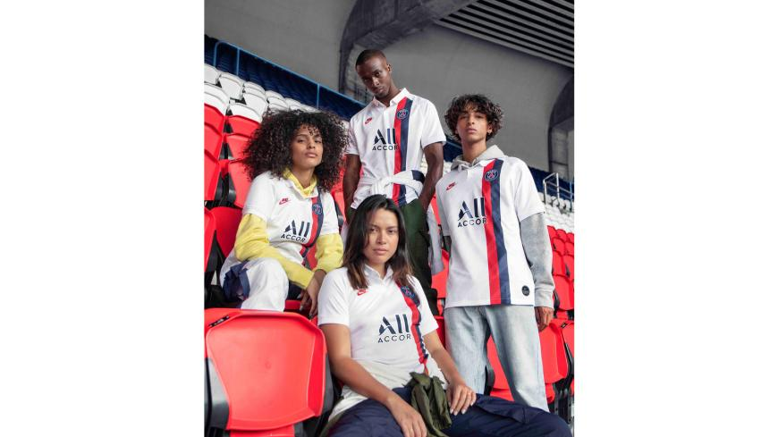 Nikenews fa19 fb ckc psg third kits lifestyle group 1 hd 1600