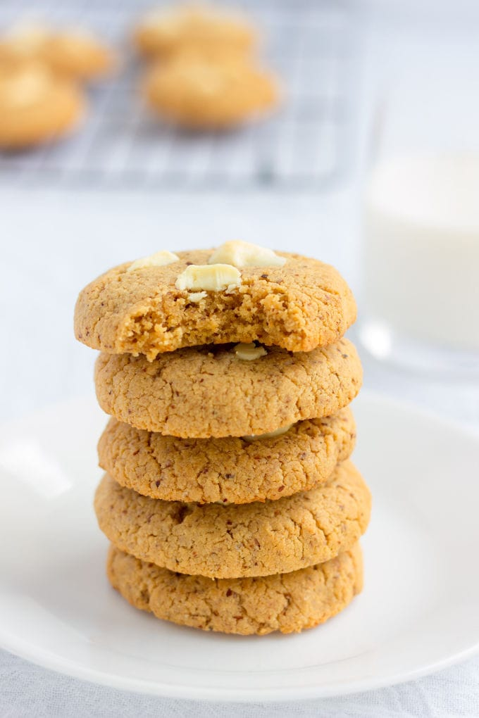 These almond flour & peanut butter protein cookies are my new addiction. Made with only 6 simple ingredients and one bowl, these quick and easy cookies can be whipped up and baked under 20 minutes. Naturally sweetened with coconut sugar, these contain 11 grams of protein per cookie and are entirely gluten-free, paleo, dairy-free, refined sugar-free, flourless, grain-free and can easily be made egg-free and vegan by simply replacing the eggs with flax eggs. Soooo tasty! | onecleverchef.com