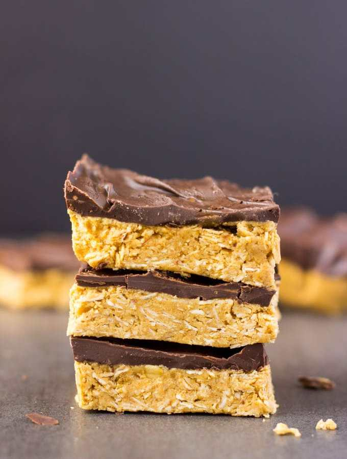 4-Ingredient No Bake Peanut Butter & Oatmeal Protein Bars