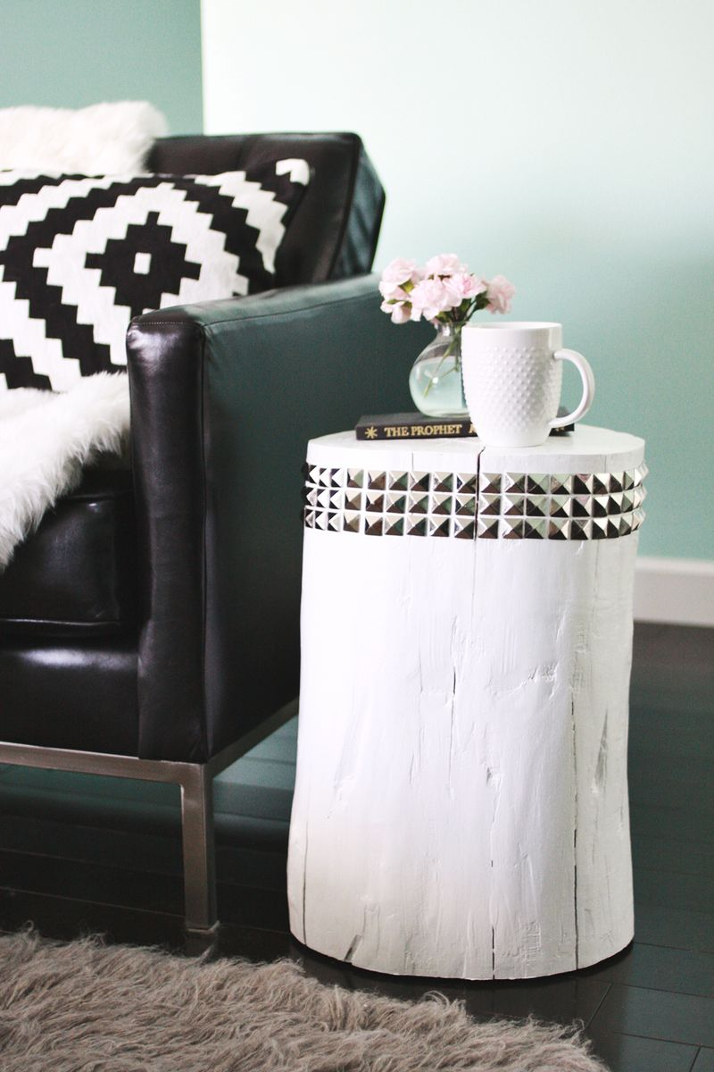 DIY STUDDED TREE STUMP SIDE TABLE via oreeko.com
