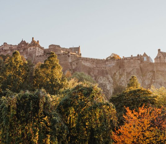 Literary guide to Edinburgh, home to Edinburgh Castle